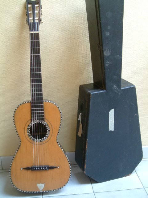 Builders of the early 19th Century  Early Romantic Guitar